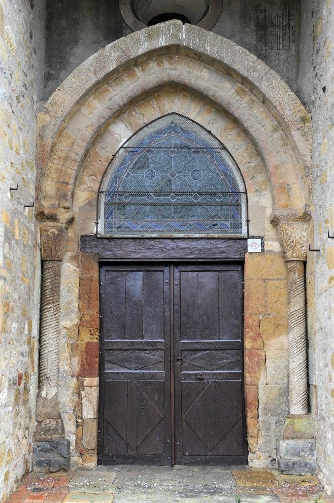 Alluy - Eglise Saint-Pierre-et-Saint-Paul - Le portail (XIIe siècle)