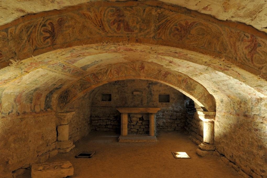 Alluy - Crypte (fin du XIIe siècle) - Les peintures murales (début du XIVe siècle)