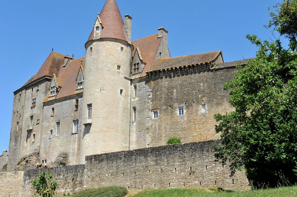 Châteauneuf-en-Auxois - Le château (XIIe-XVe siècle)