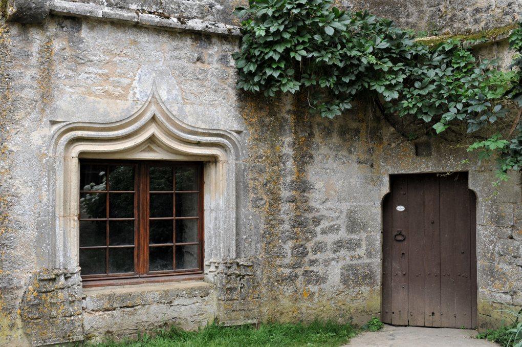 Châtel-Gérard - Prieuré de Vausse - Portes médiévales