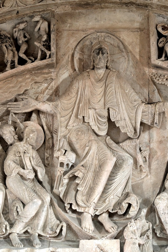 Vézelay - Christ en Gloire : tympan central de la nef (v. 1130)