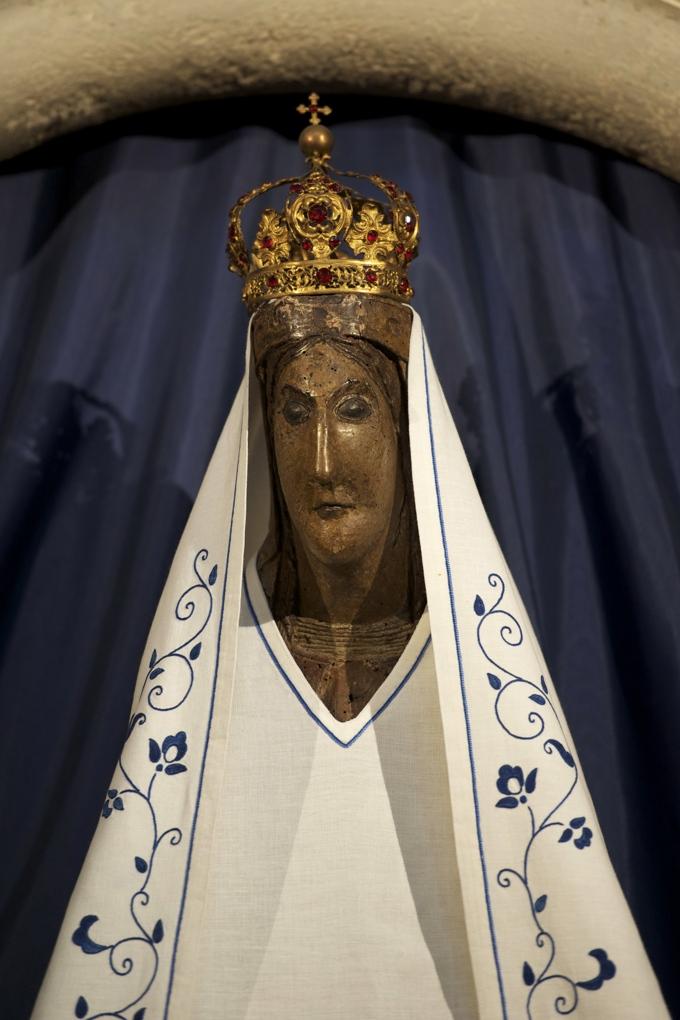 Dijon - Eglise Notre-Dame (v. 1220-v. 1240) : la Vierge noire (XIIe siècle)