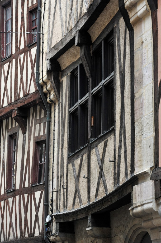 Dijon - Maisons à pans de bois, rue Verrerie (XVe siècle)