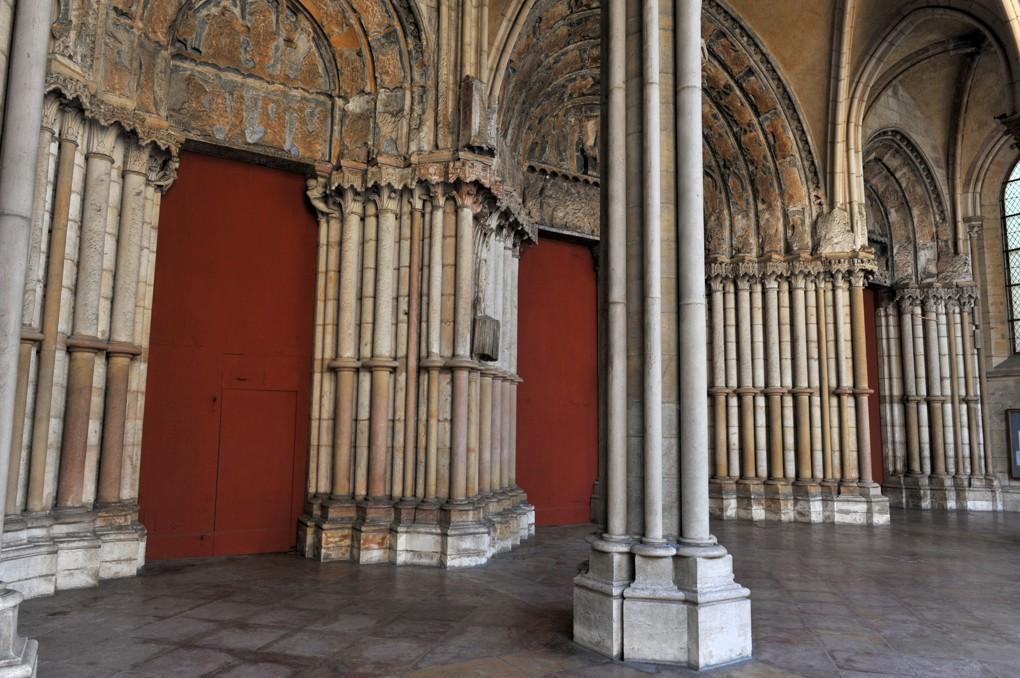 Dijon - Eglise Notre-Dame - Le porche ajouré (XIIIe siècle)