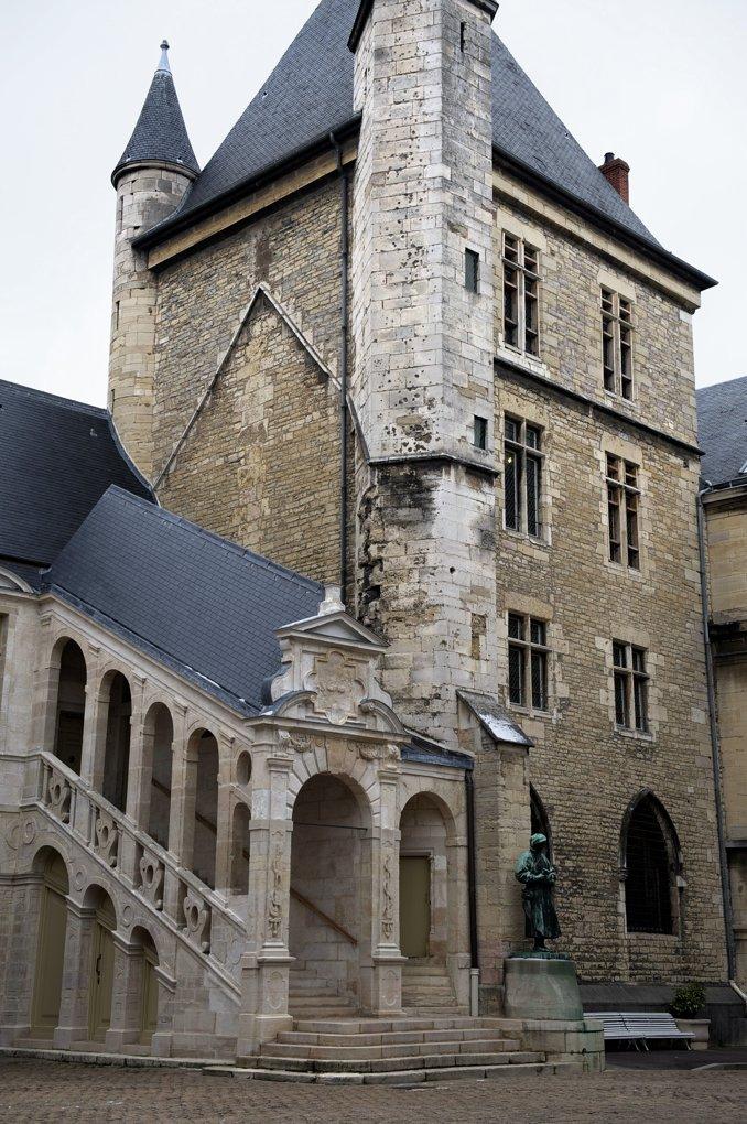 Dijon - Palais des Ducs : Tour Neuve (1365)