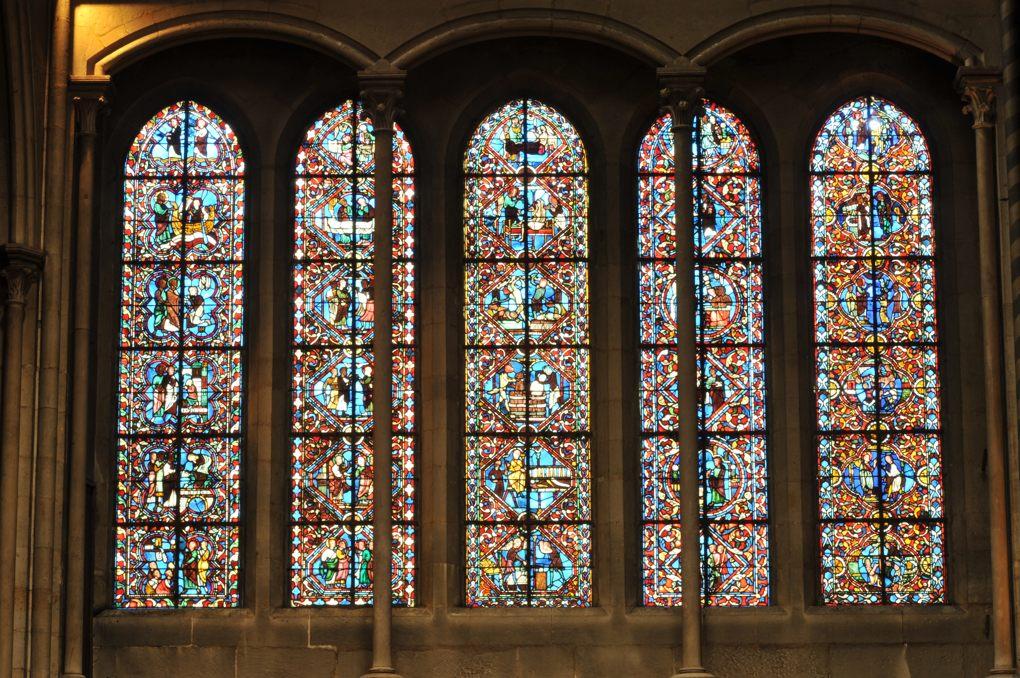 Dijon - Eglise Notre-Dame - Seule verrière du XIIIe siècle subsistante (croisillon nord)