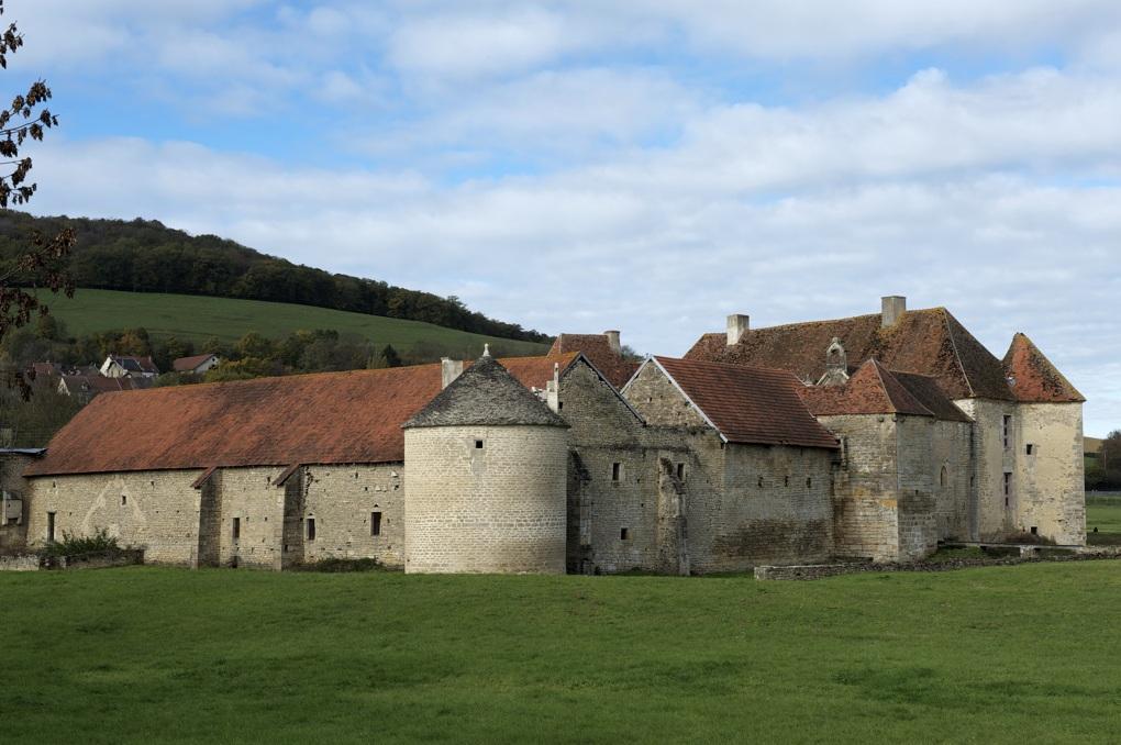 Eguilly - Le château (XIIe-XVe siècles)