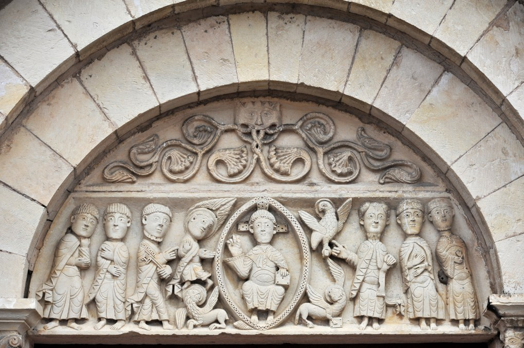 Mars-sur-Allier : le tympan (XIIe siècle)