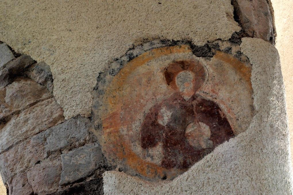 La Motte-Ternant - Eglise Saint-Martin : vestiges de fresques (XIVe s. ?)