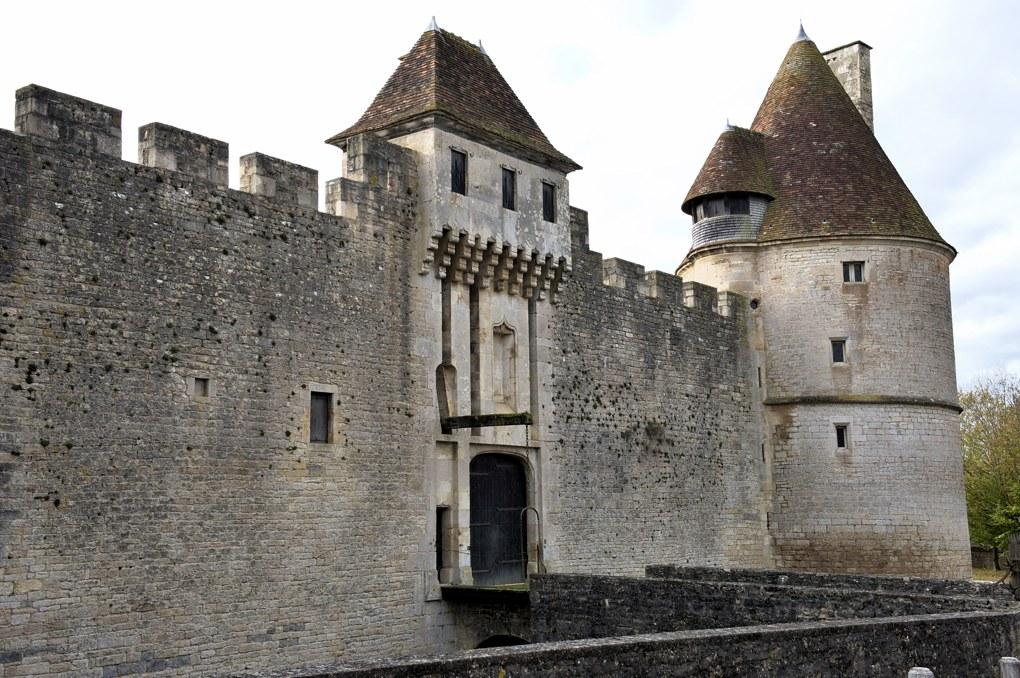 Posanges - Maison forte (XVe siècle)