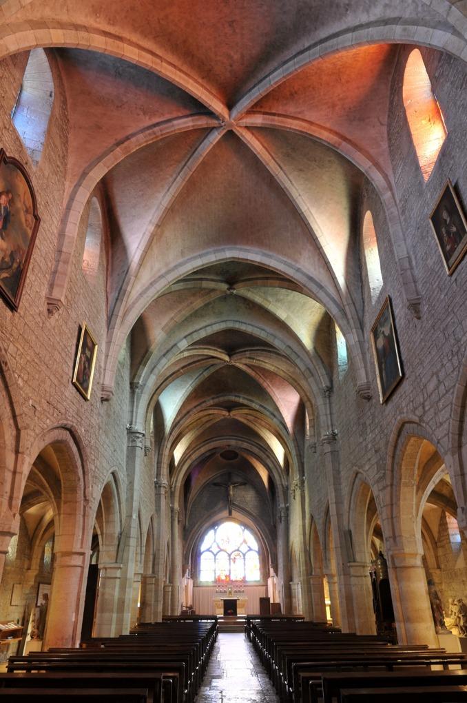 Talant - Eglise Notre-Dame (XIIIe-XIVe s.) - Vue intérieure depuis la façade occidentale de la nef