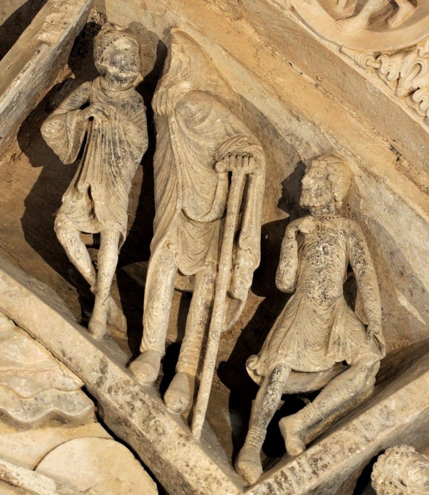 Vézelay - Abbatiale - Tympan central - caisson : un Phrygien et des malades (v. 1130)