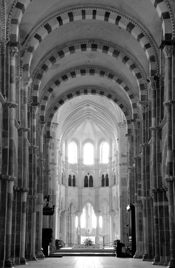 Vézelay - Nef de l'abbatiale (1120-1140)