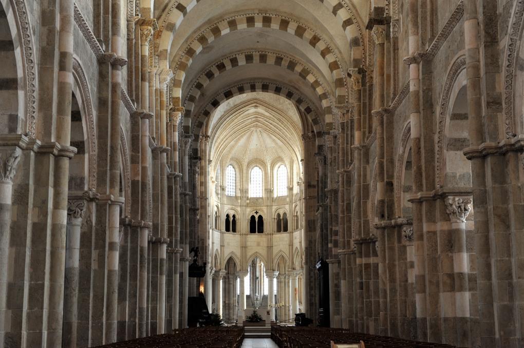 Vézelay - Abbatiale (XIIe-début du XIIIe siècle) : la nef