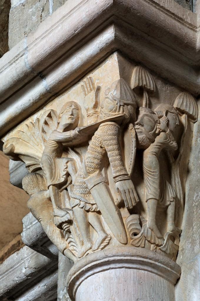 Vézelay - Chapiteau de la nef - Collatéral nord : David et Goliath