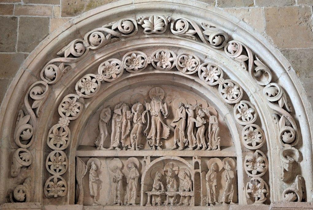 Portail nord de la nef tympan et voussures (v. 1130)