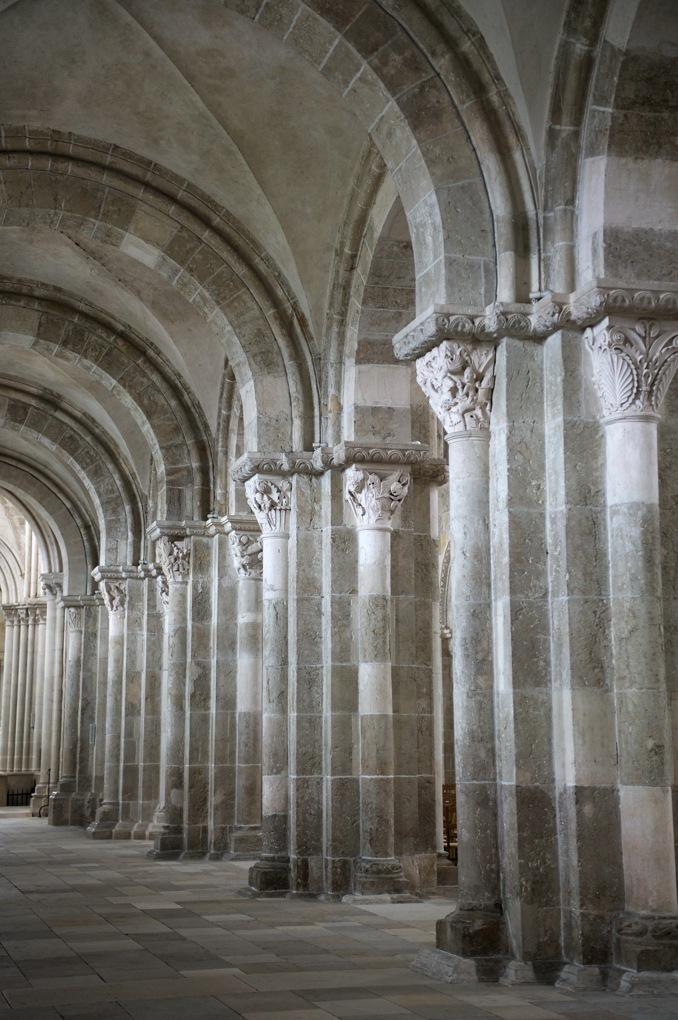 Vézelay - Abbatiale - nef : collatéral nord
