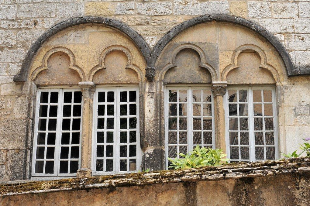 Beaune - Bâtiment du chapitre (XIIIe siècle) - baies géminées (Impasse Notre-Dame)