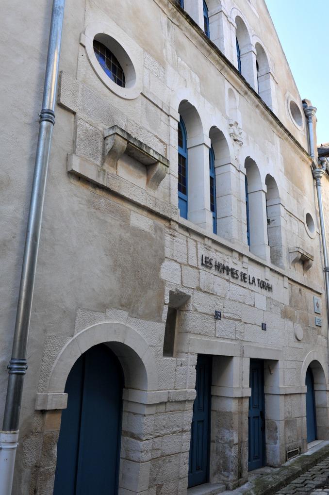 Chablis - Maison édifiée au XVIe siècle sans doute à la place de l'ancienne synagogue