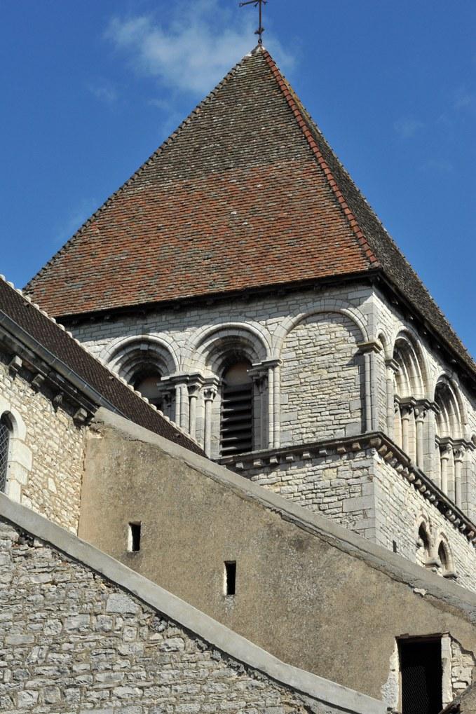 Chagny - Eglise Saint-Martin (XIIe-XVe siècle) - Le clocher (v. 1220)