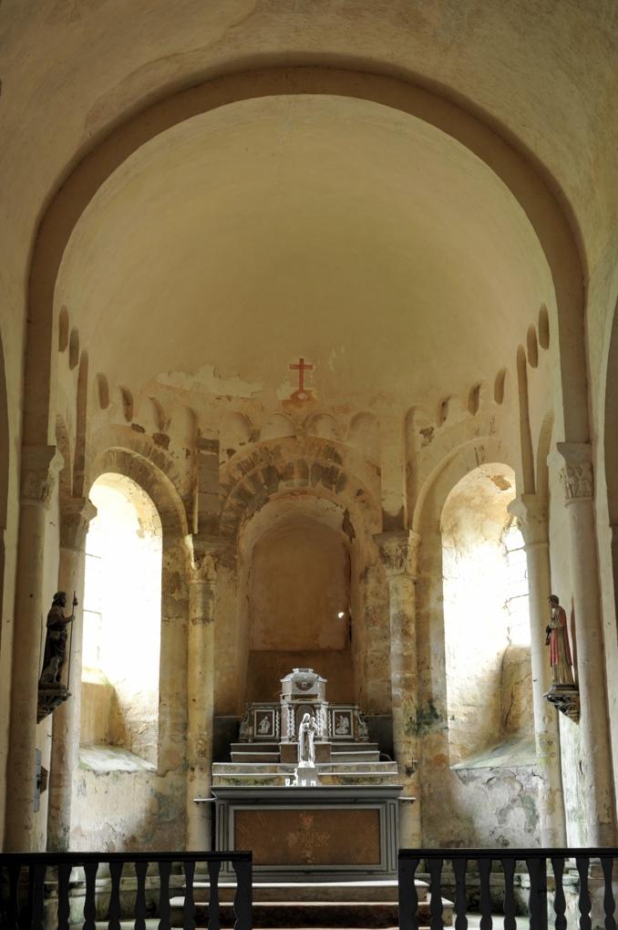 Moulins-Engilbert - Ancien prieuré de Commagny - Eglise saint-Laurent (XIIe siècle) : l'abside (début du XIIe siècle)