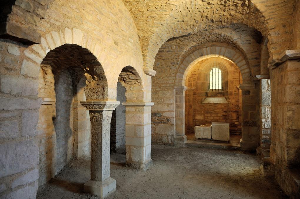 Flavigny - Les cryptes (864-878 et XIe siècle)