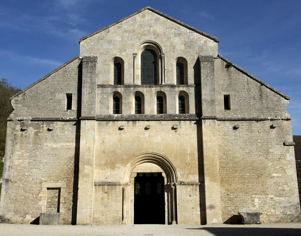 Montbard - Abbaye de Fontenay - Façade de l'abbatiale