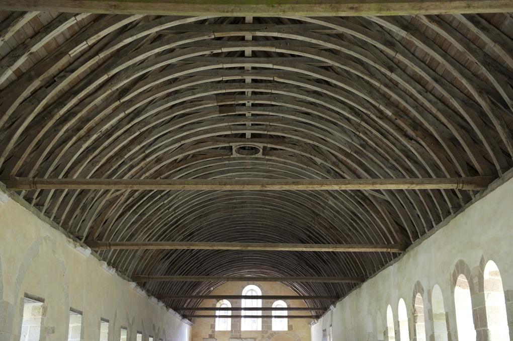 Montbard - Abbaye de Fontenay - Le dortoir des moines (XIIe siècle) - charpente (XVe siècle)
