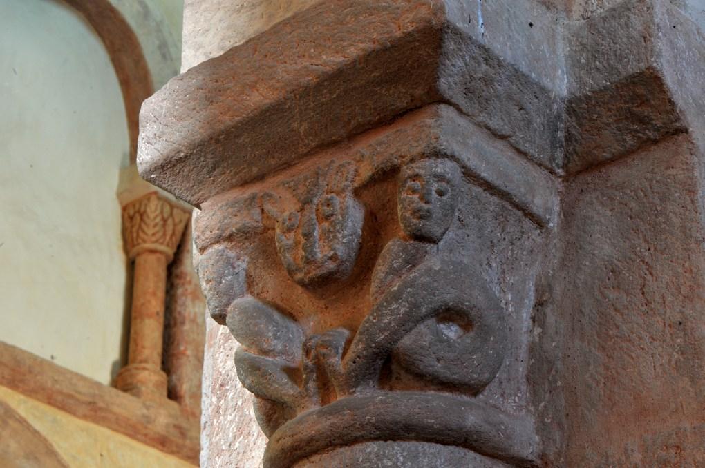 Gourdon - Eglise Notre-Dame-de-l'Assomption (XIIe siècle) - Chapiteau : hybrides