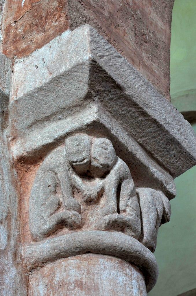 Gourdon - Eglise Notre-Dame-de-l'Assomption (XIIe siècle) - Chapiteau : animaux