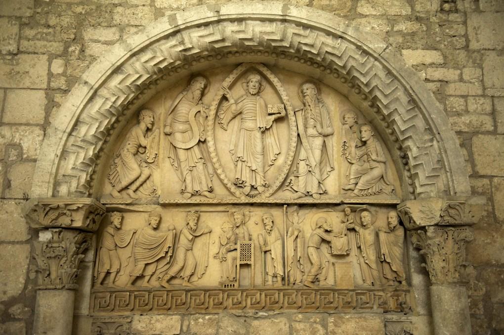 La Charité-sur-Loire - L'église priorale - Bras sud du transept : le tympan de la Transfiguration (v. 1132)