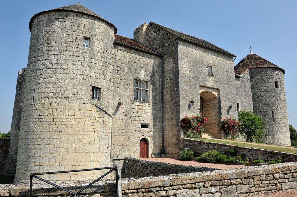 Mont-Saint-Jean - Le château (XIIIe siècle)