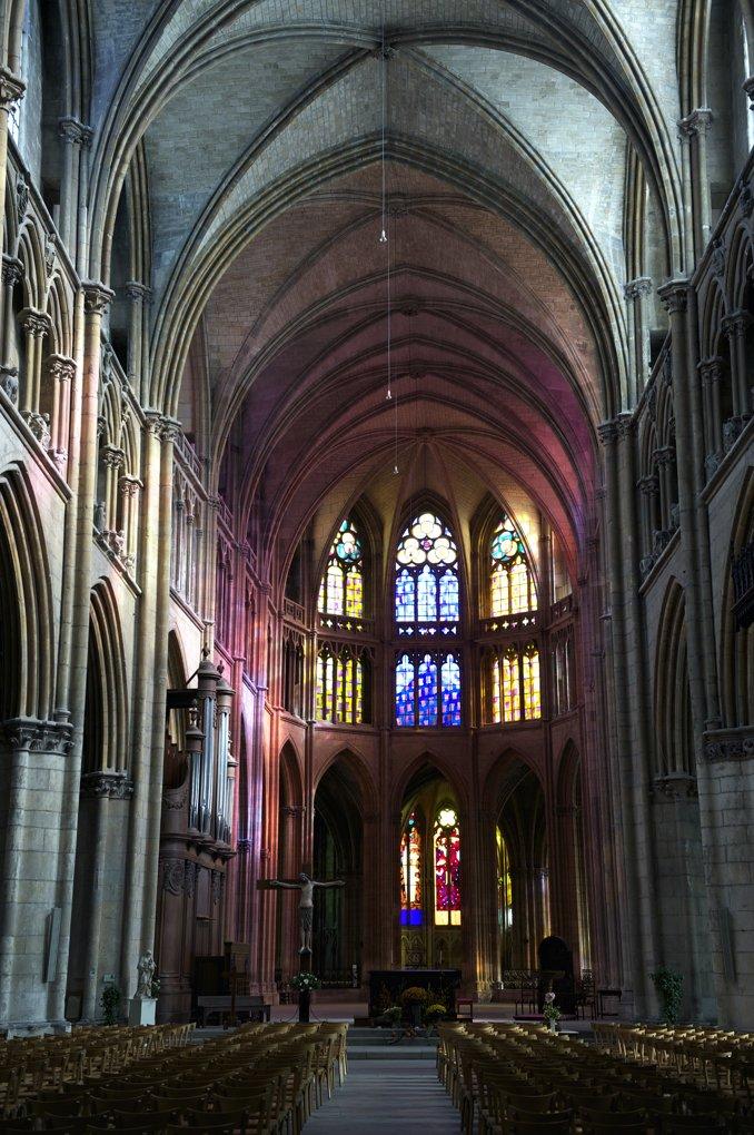 Nevers - Cathédrale Saint-Cyr-et-Sainte-Julitte (XIe et XIII-XVIe siècle) - Le choeur du XIVe siècle