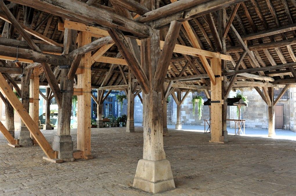 Nolay - Les halles du XIVe siècle