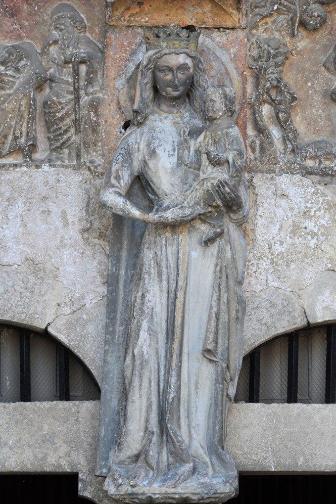 Rougemont - Vierge à l'Enfant au trumeau du portail