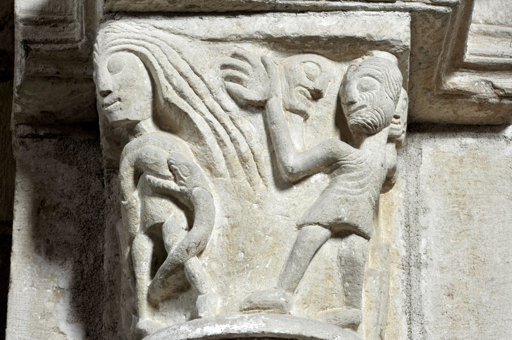 Sémelay - Eglise Saint-Pierre (XIIe siècle) - Chapiteau de la Luxure