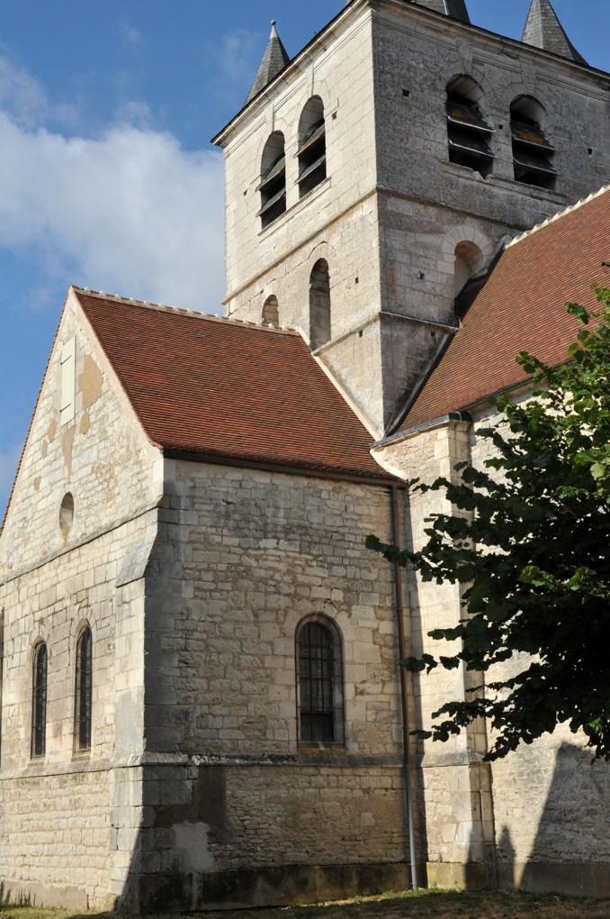 Saint-Cyr-les-Colons - Eglise Saint-Cyr-et-Sainte-Julitte (fin XIIe siècle) - Le chevet plat
