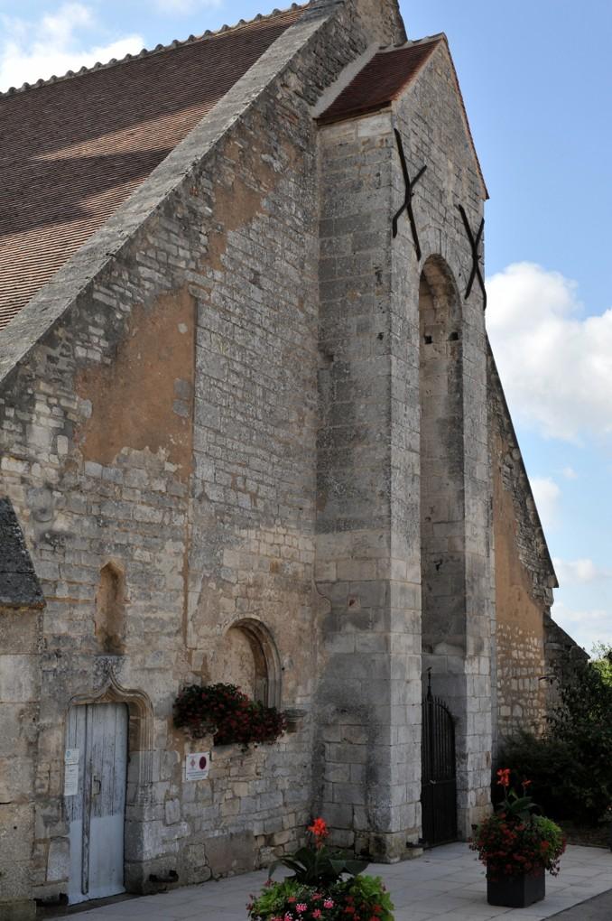 Saint-Cyr-les-Colons - Eglise Saint-Cyr-et-Sainte-Julitte (fin XIIe siècle) - La façade