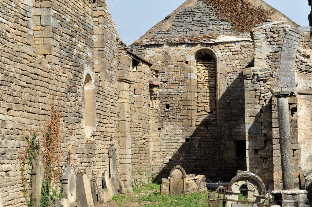 Saint-Père-sous-Vézelay - Ancienne église paroissiale Saint-Pierre aujourd'hui ruinée (XIe-XIIe siècle)