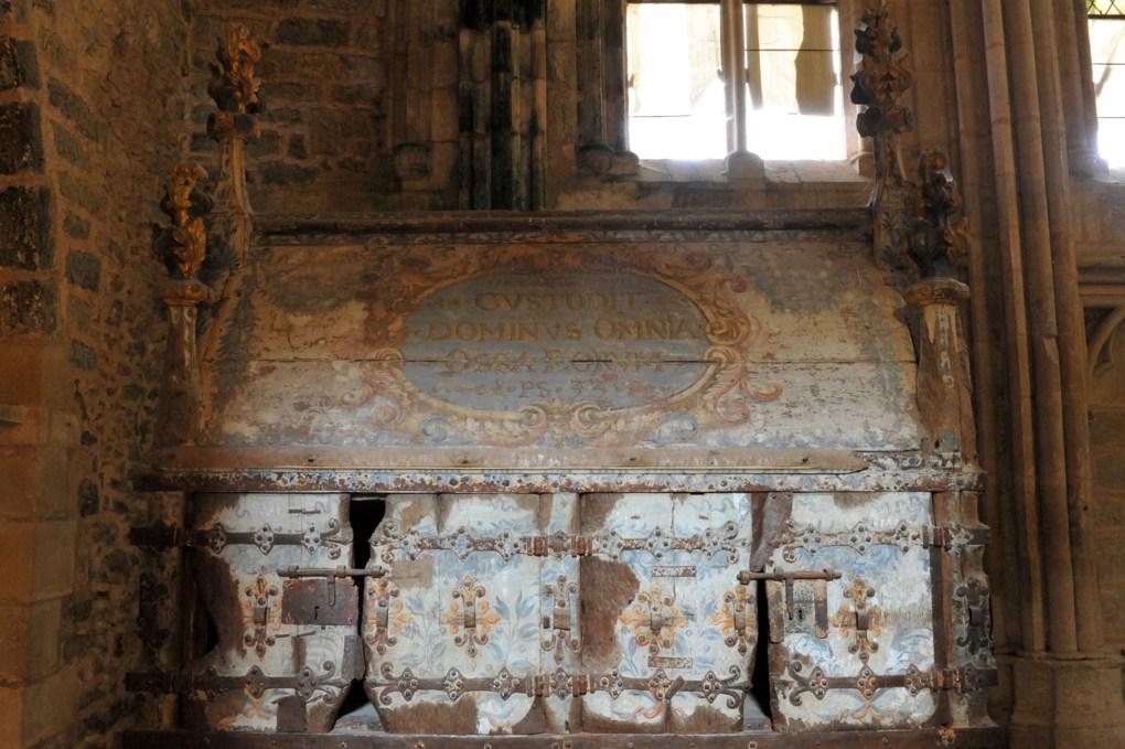Saint-Thibault - Priorale - Le reliquaire de saint Thibaut (XIVe siècle)