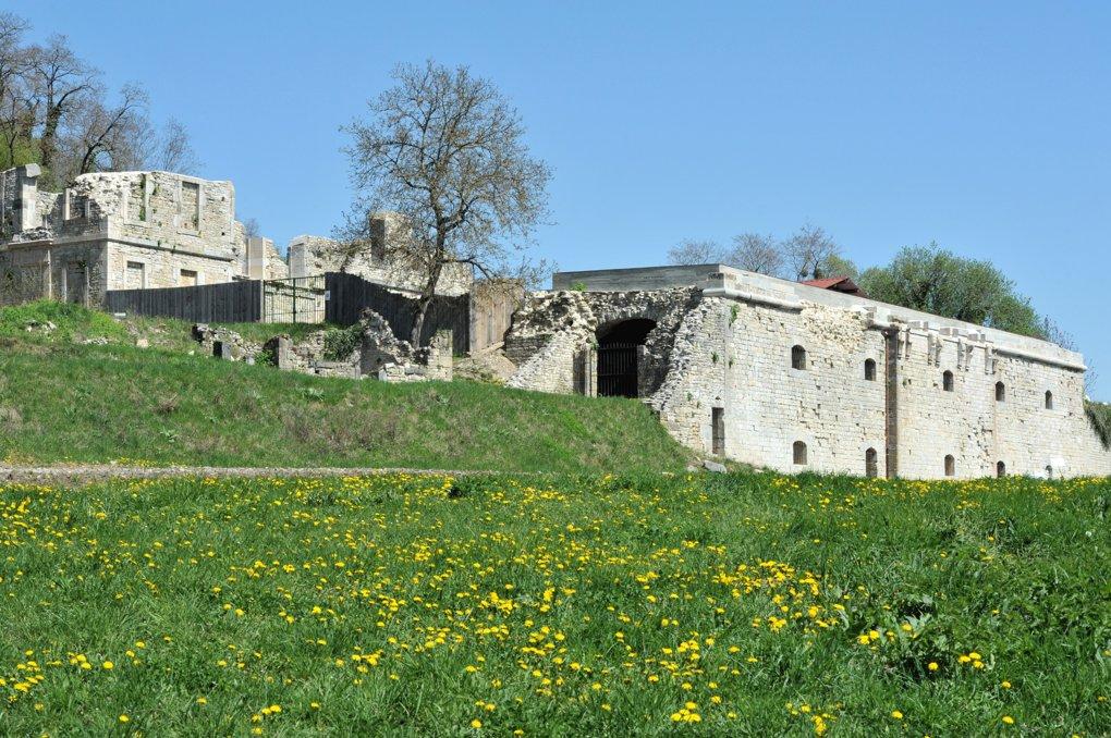 Curtil-Vergy - Ruines de l'abbaye (XVIIIe siècle)