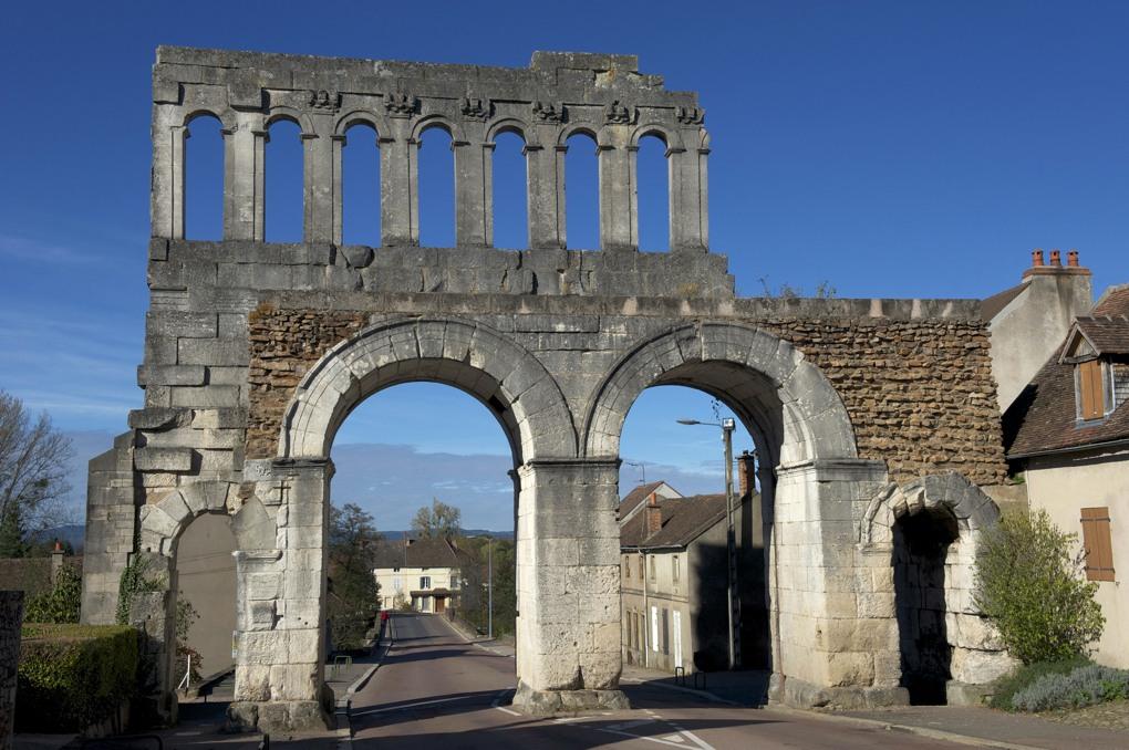 Autun - Porte d'Arroux (Ier siècle)
