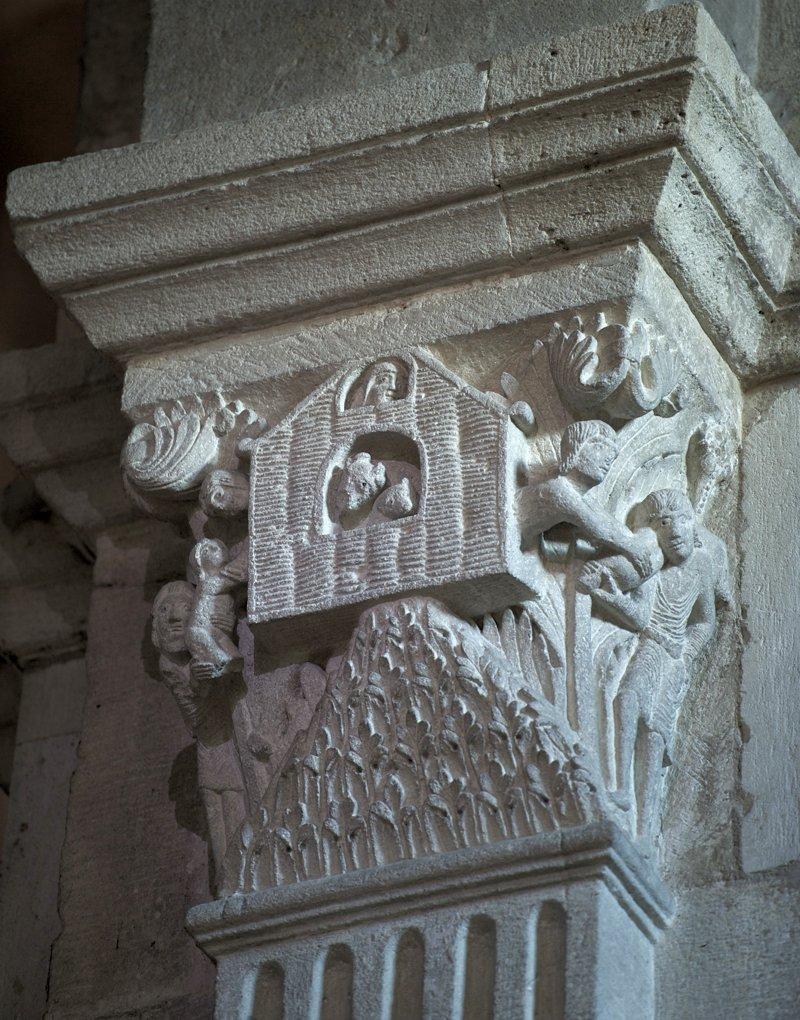 Autun - Chapiteau roman de la cathédrale (XIIe siècle)