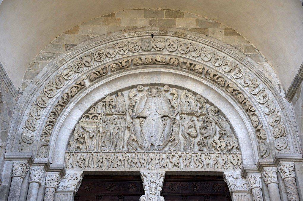 Autun - Portail de la nef - tympan central (v. 1140)