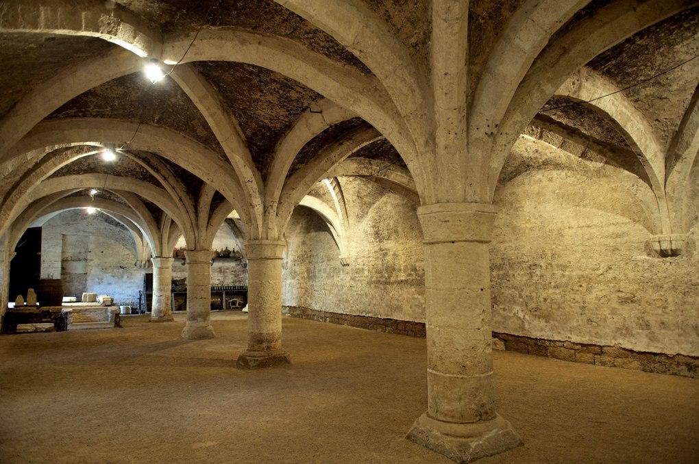 Mellecey - Château ducal de Germolles - Cellier du XIIIe siècle