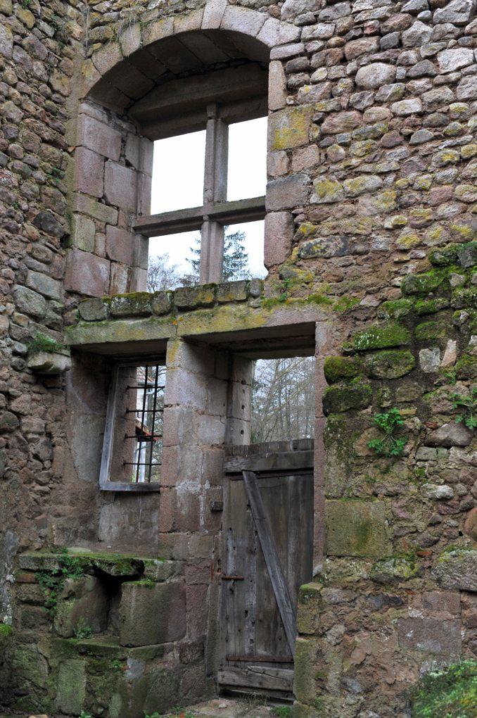 Mesvres - Ruines du prieuré