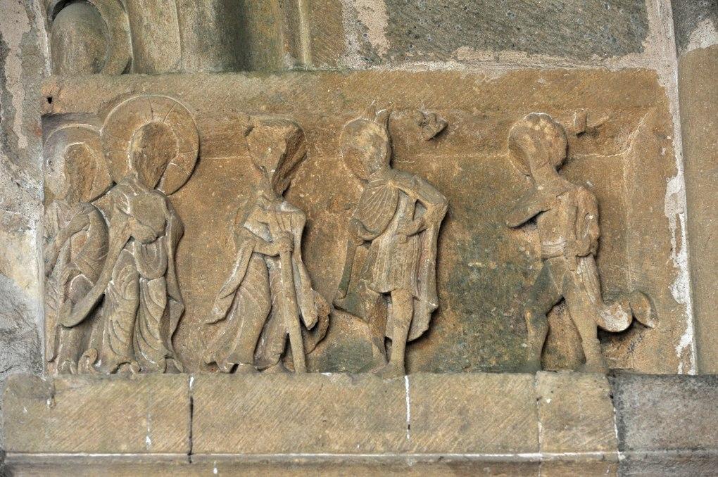 Perrecy-les-Forges - Priorale - Scène du portail (à droite) : Jésus conduit devant ses juges (?)