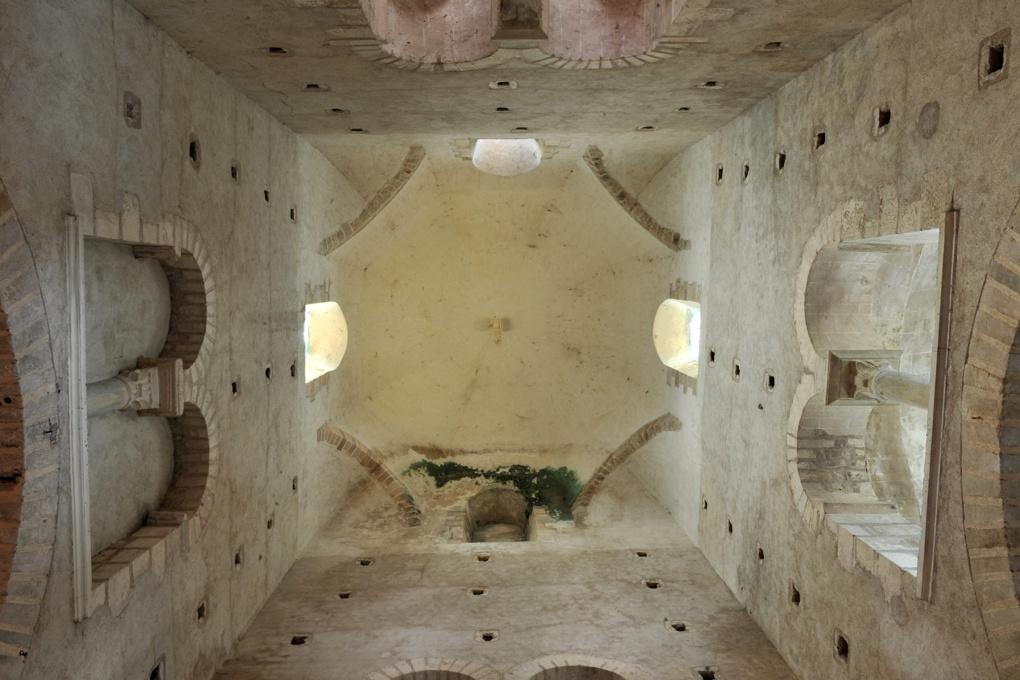 Perrecy-les-Forges - Priorale - Coupole sur trompes (croisée du transept)