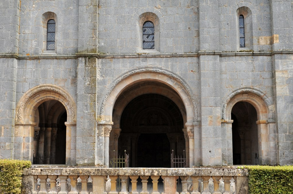 Perrecy-les-Forges - Priorale - Le narthex (v. 1130)