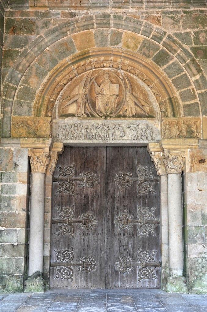 Perrecy-les-Forges - Priorale - Le portail du narthex (v. 1130)